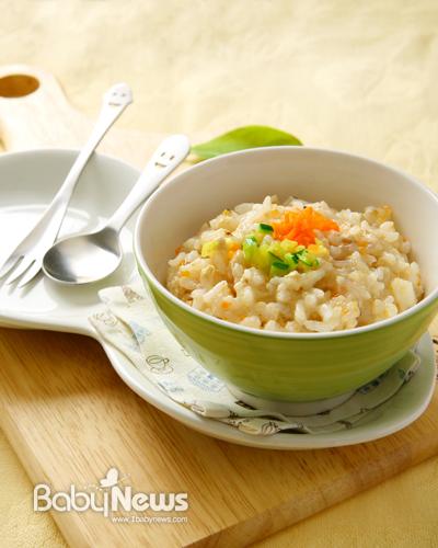 베베쿡 이유식은 쌀눈이 그대로 살아 있고 소화흡수율을 높인 이유식 전용 쌀을 사용해 만든다. ⓒ베베쿡